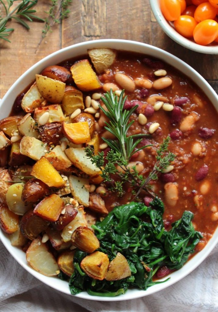 Homemade spicy baked beans
